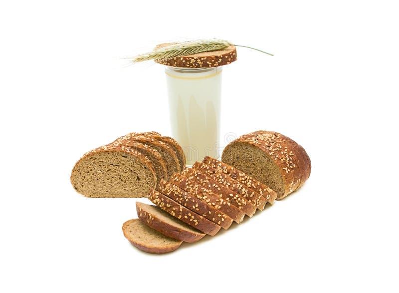 wciąż życia chlebowy mleko zdjęcia stock
