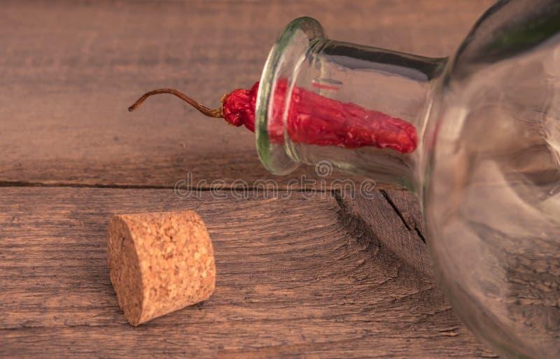 Wciąż życie szklana butelka obraz stock