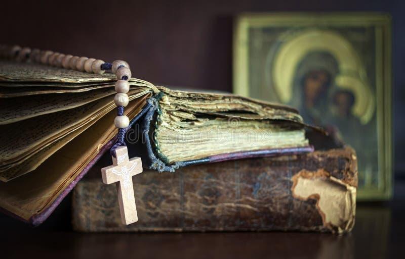 Wciąż życie z biblią royalty ilustracja