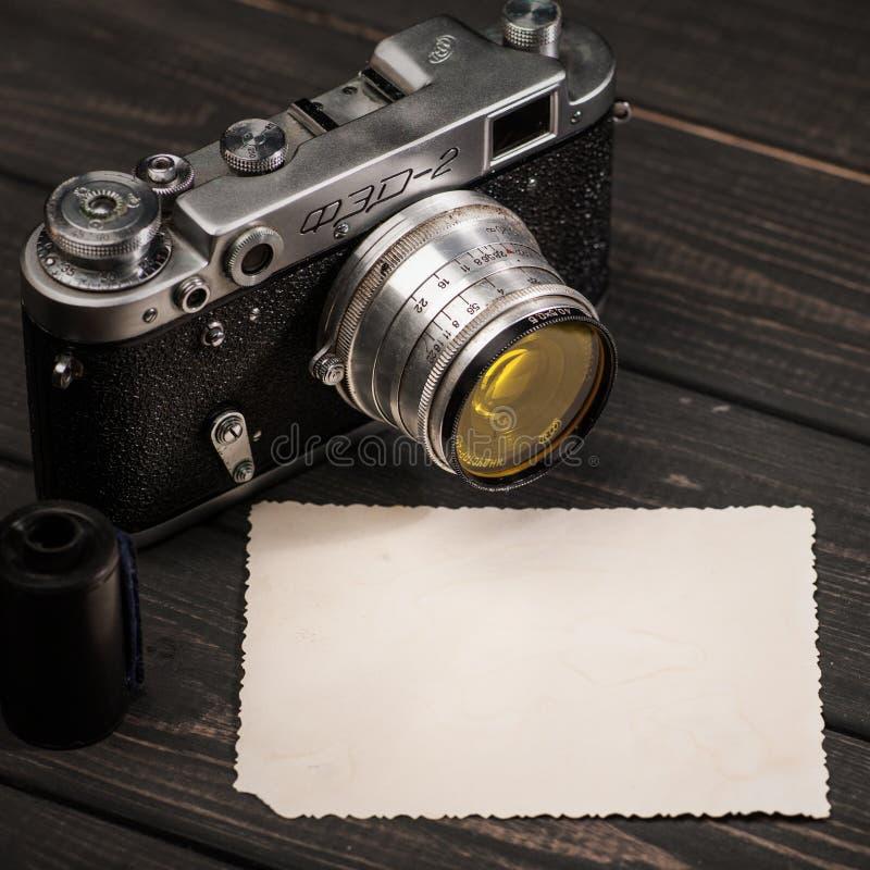 Wciąż życie z retro sowiecką fotografii kamerą FED-2 zdjęcia stock