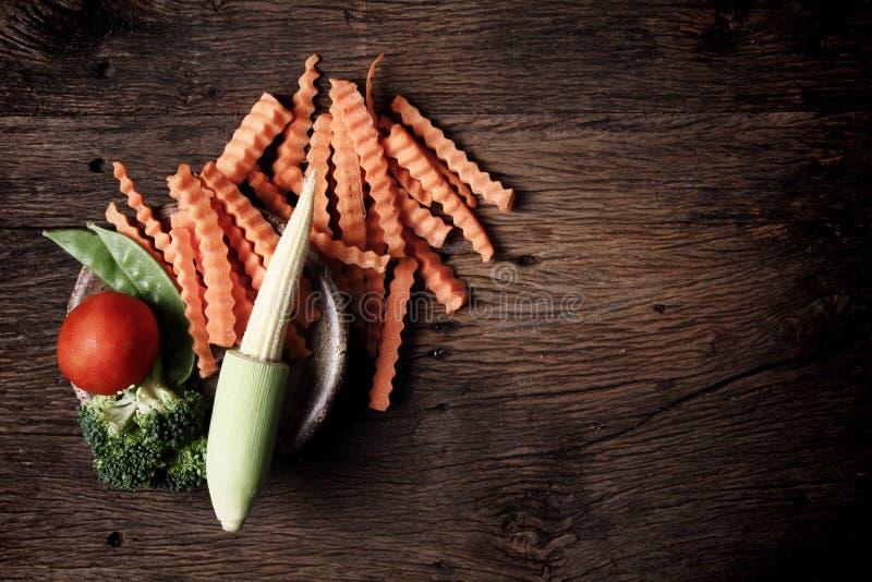 Wciąż życie z warzywami na drewnianym zdjęcie royalty free