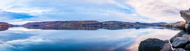 Wciąż Jeziorna panorama fotografia stock
