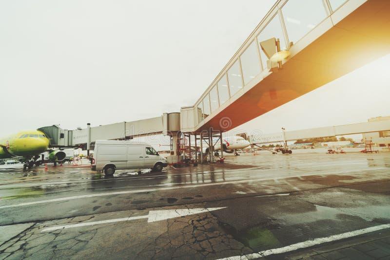 Wciągana drabina w Domodedovo lotnisku zdjęcie stock
