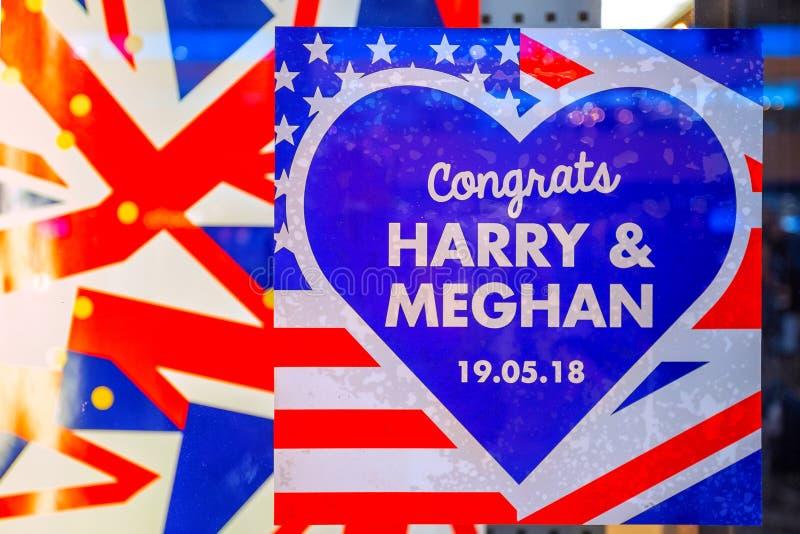 Wcielać UK i USA flagi świętuje Królewskiego ślub książe Harry Markle i Meghan zdjęcia stock