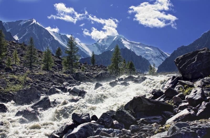 wcześniej robił halnemu jesieni zdjęcie biegunowemu strumieniowi góry obraz stock