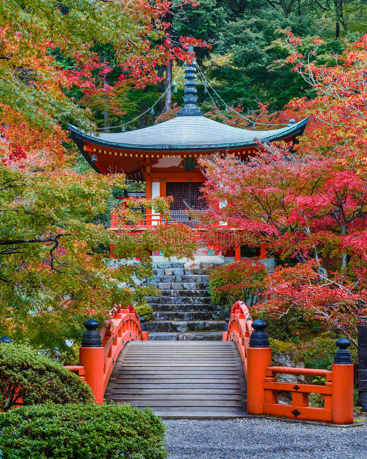 Wczesna jesień przy Daigoji świątynią w Kyoto obrazy stock
