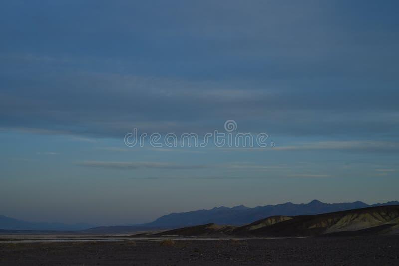 Wczesny poranek doliny soli mieszkań krajobrazowy Śmiertelny boraks obrazy royalty free