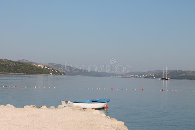 Wczesny poranek na wyspie Ciovo Chorwacja fotografia royalty free