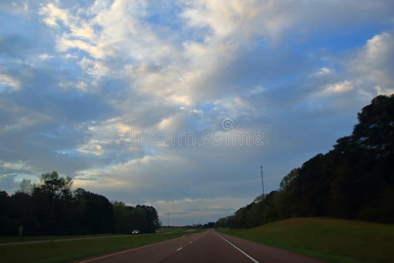 Wczesny poranek wycieczka samochodowa na USA 49 S Gulfport, Ms fotografia stock