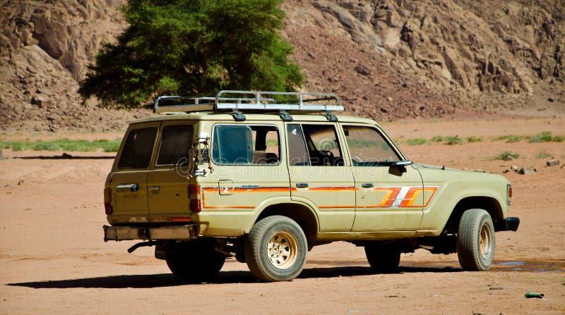 4WD au désert photographie stock