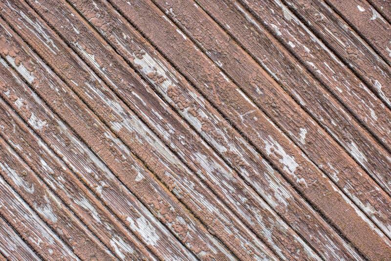 Weathered a fendu le mur en bois de parquet avec la peinture d'épluchage image stock