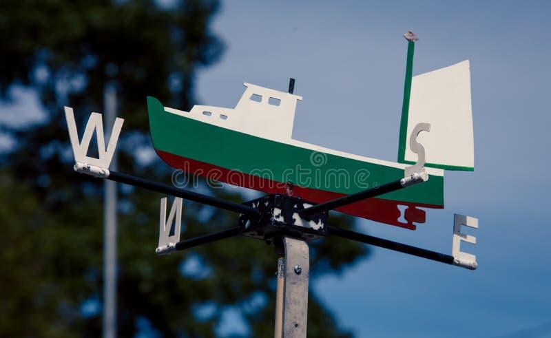 Weathervane рыбацкой лодки стоковые изображения rf