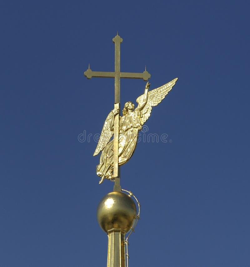Weathervane en el chapitel del Peter y de Paul Cathedral bajo la forma de ángel imagen de archivo libre de regalías