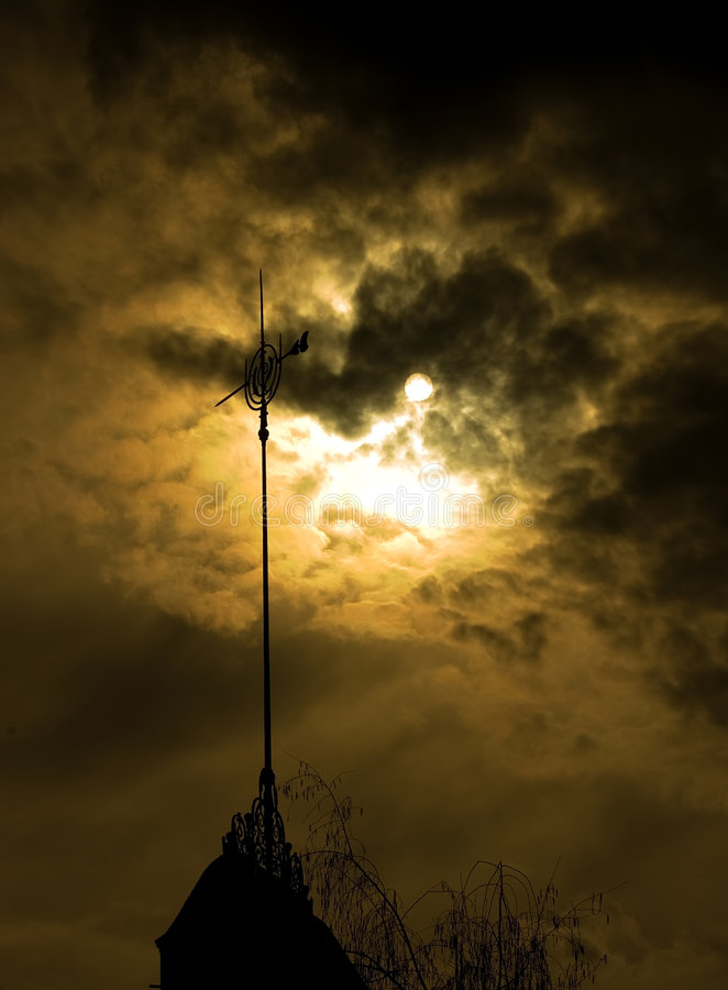 Free Weathervane In Moonlight Royalty Free Stock Photo - 2266715