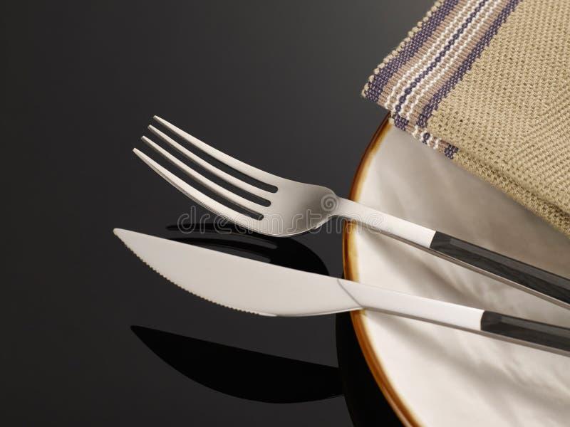 weave вектора плиток скатерти ложки силуэтов установки ресторана имеющейся плиты места меню ножа холстинки вилки еды конструкции  стоковые фото