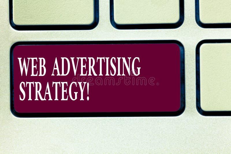 Web d'apparence de signe des textes annonçant la stratégie La photo conceptuelle emploie les réseaux sociaux existants pour favor photographie stock