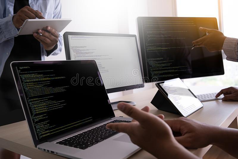 Web de programação tornando-se de trabalho Desig das tecnologias do programador imagem de stock royalty free