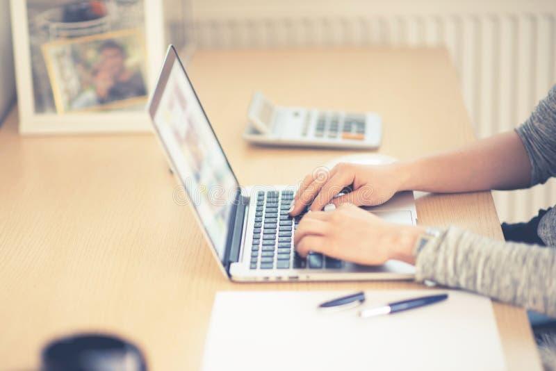 Web site do Internet da consultação imagem de stock