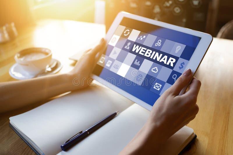 Webinar, aprendizaje electrónico, concepto en línea de la educación en la pantalla foto de archivo