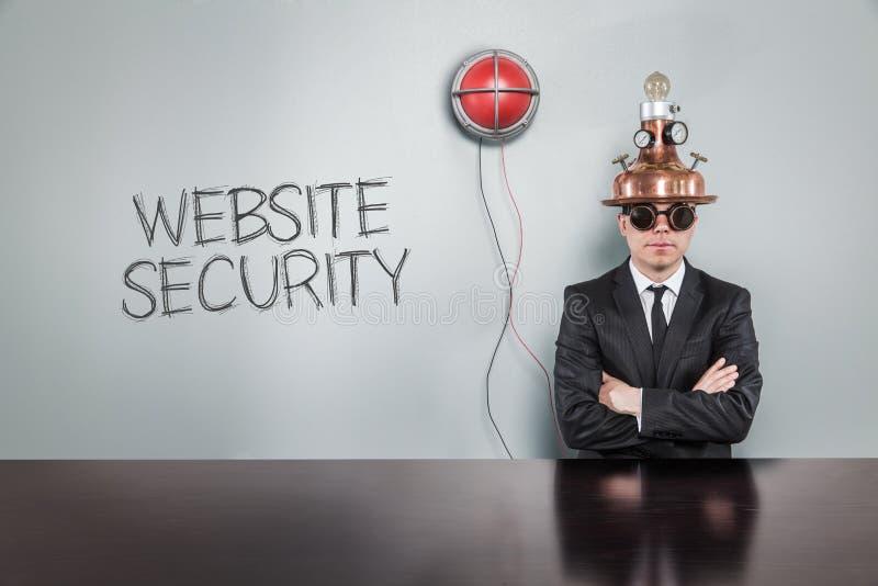 Websitesicherheitstext mit Weinlesegeschäftsmann stockfoto