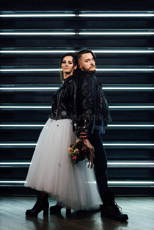 Wedding в стиле утеса Свадьба коромысла или велосипедиста стоковая фотография rf