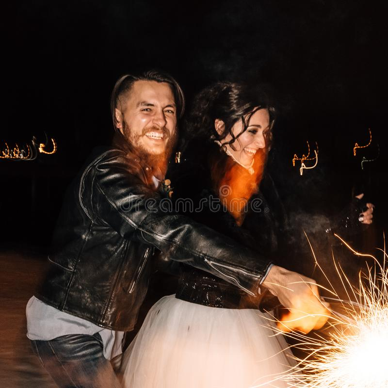 Wedding в стиле утеса Свадьба коромысла или велосипедиста стоковые фото
