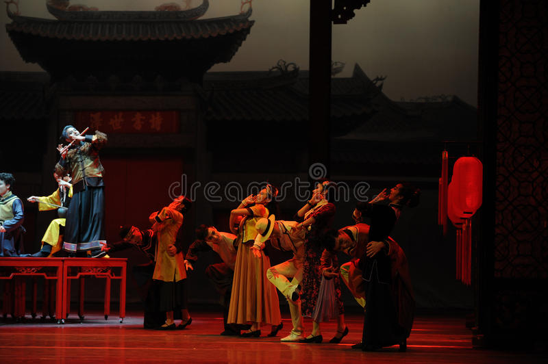Wedding banquet-The first act of dance drama-Shawan events of the past. Guangdong Shawan Town is the hometown of ballet music, the past focuses on the historical stock image