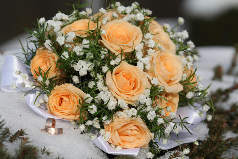 Download Wedding Bouquet And Rings Royalty Free Stock Photography - Image: 29667077