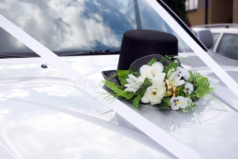 Wedding Bräutigamautodekoration lizenzfreie stockfotografie