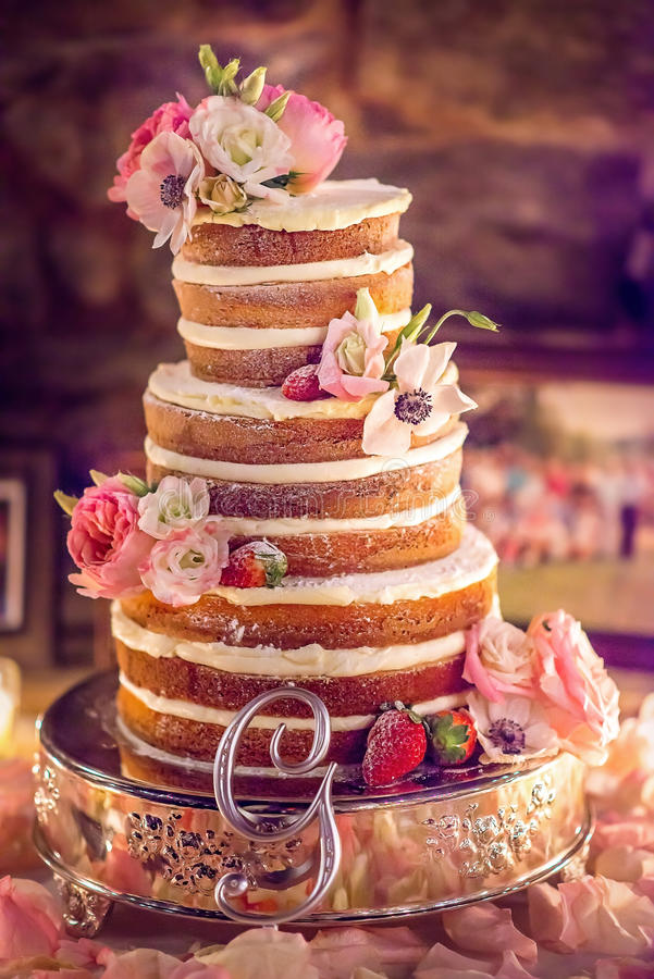 Free Wedding Cake Royalty Free Stock Photo - 49277745