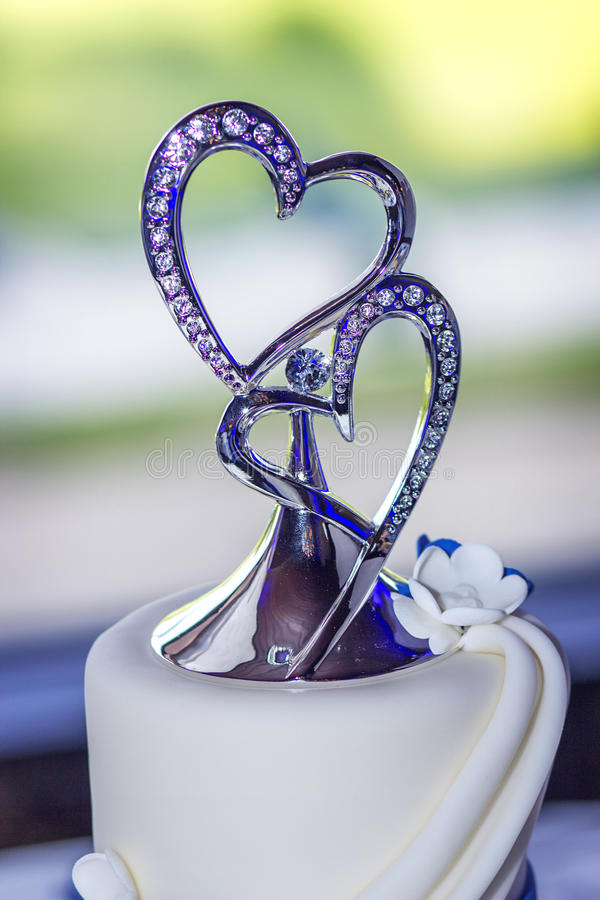 Wedding Cake With Double Heart Topper Stock Photo - Image of heart ...
