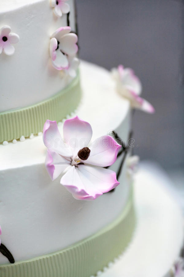Wedding cake with flowers stock images
