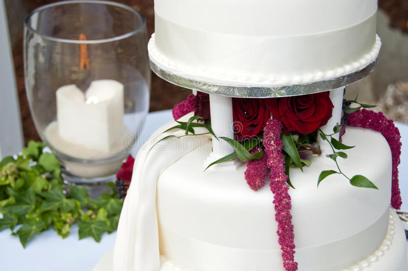 Download Wedding Cake And Remembrance Candle Stock Image - Image: 23371837