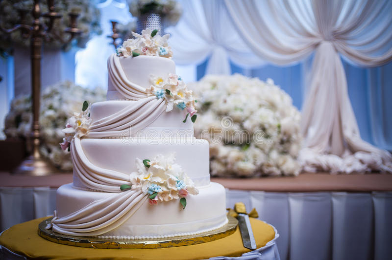 Download Wedding Cake stock photo. Image of beverages, event, object - 53612852