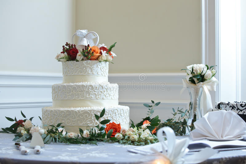 80 284 Wedding Cake Photos Free Royalty Free Stock Photos From Dreamstime