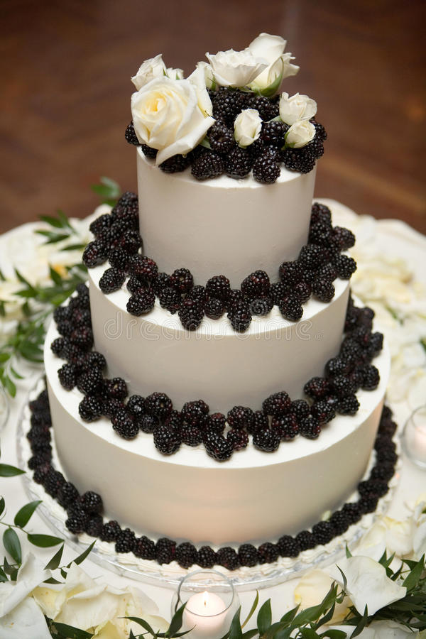 Free Wedding Cake With Rose And Barries Stock Photos - 13678863