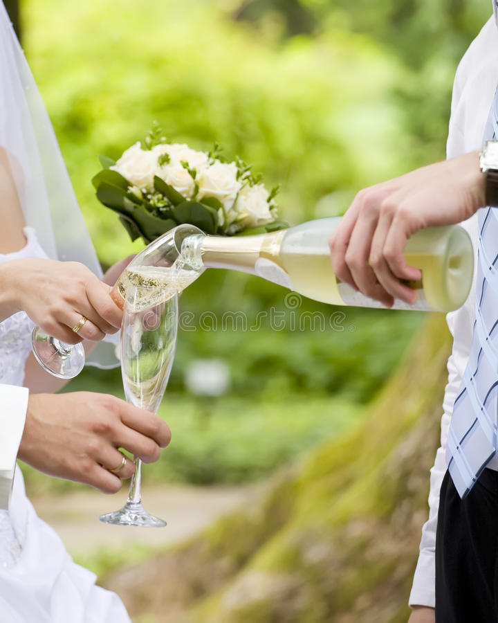 Free Wedding Champagne Royalty Free Stock Photography - 17954277