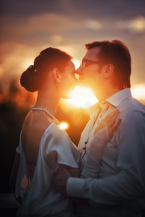 Free Wedding Couple Royalty Free Stock Photography - 32677077