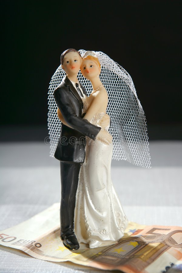 Download Wedding Couple Figurine And Euro Note Stock Photo - Image: 8521620