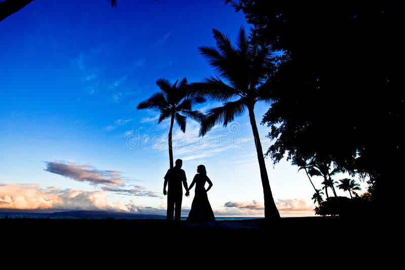 Wedding couple silhoutte Hawaii stock image