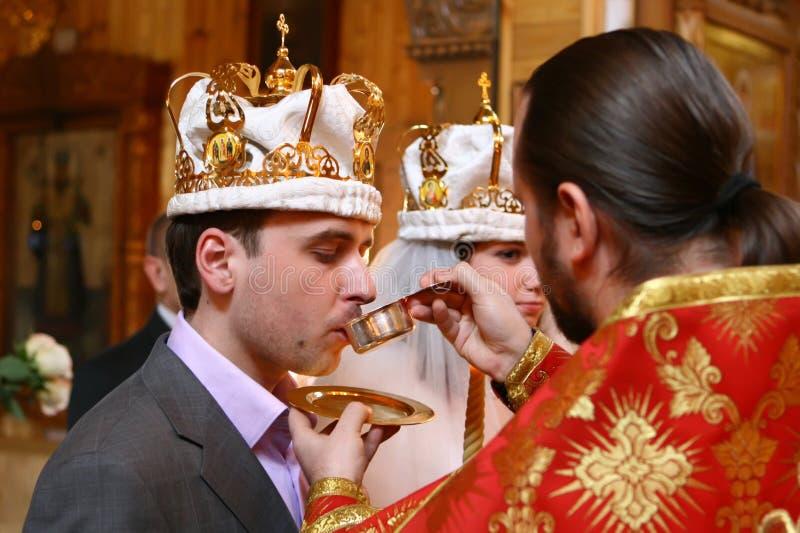 Wedding dans l'église images stock
