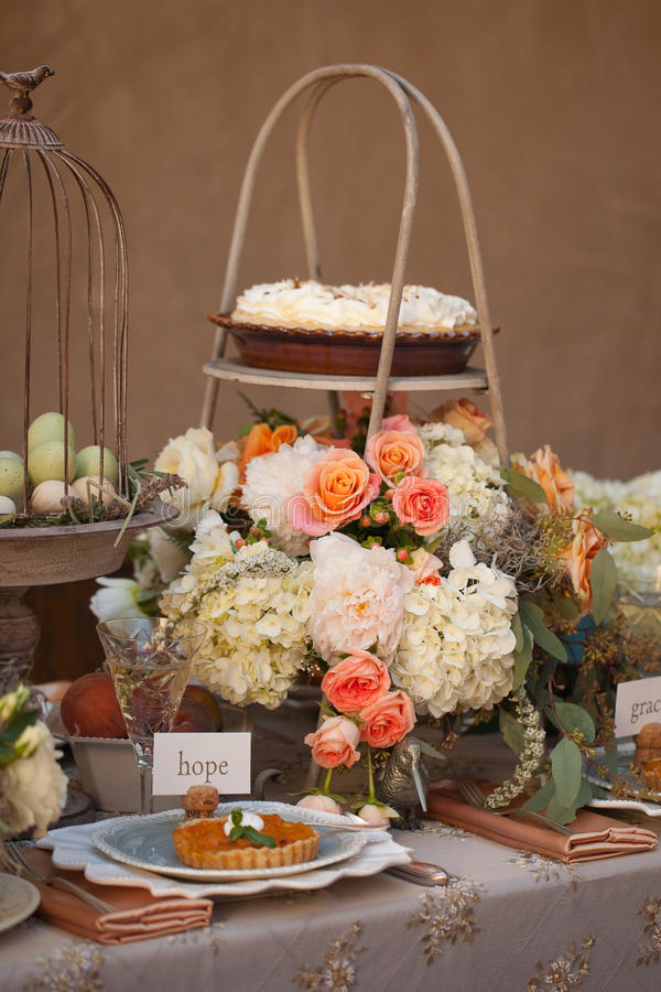 Download Wedding Decor Table Setting And Flowers Stock Photo - Image of bridal, chocolate: 28892976