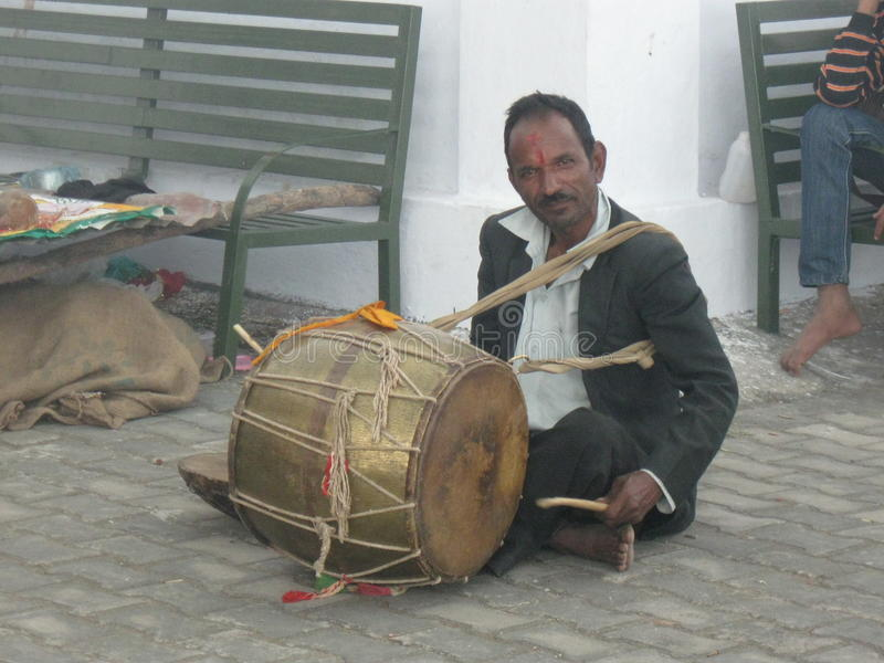 Download Wedding Drummer At Kunjapuri Temple Near Rishikesh India Editorial Image - Image of temple, drumming: 84820480