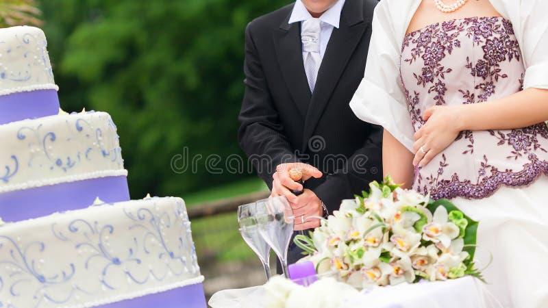 cut wedding cake stock images