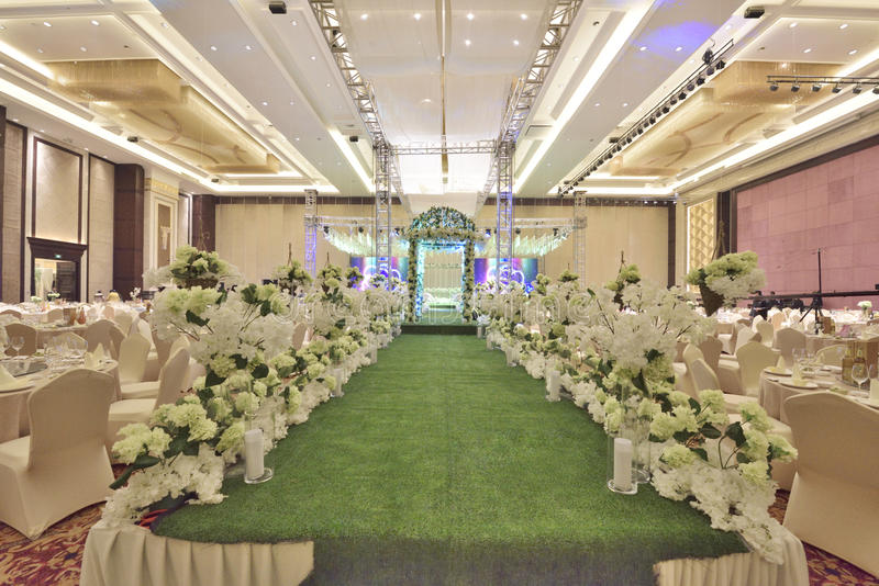 The wedding hall. Wedding and banquet held in the hotel lobby!The hotel wedding decoration flower pavilion and corridor stock images