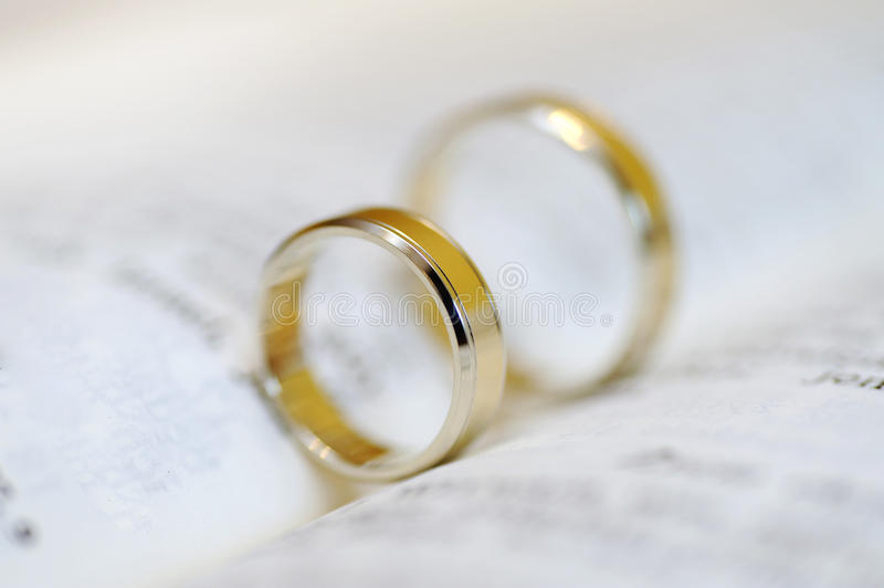Download Wedding Rings Royalty Free Stock Images - Image: 21590769