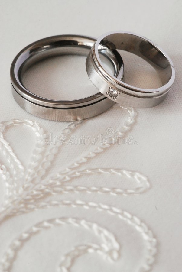 Download Wedding Rings Royalty Free Stock Image - Image: 3242606