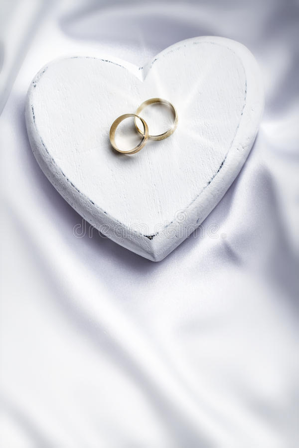 Free Wedding Rings Stock Photo - 37536380