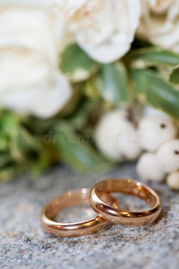 Download Wedding rings stock photo. Image of gold, jewelry, bouquet - 35114758