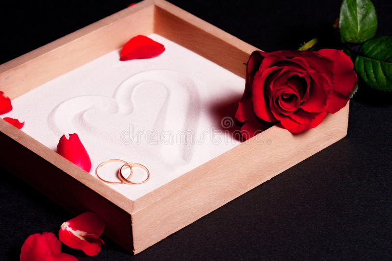 Download Wedding Rings And Red Roses Stock Image - Image: 17970859